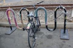 pb_hardmf1_crochetedbikerackatSacramentoBicycleKitchen